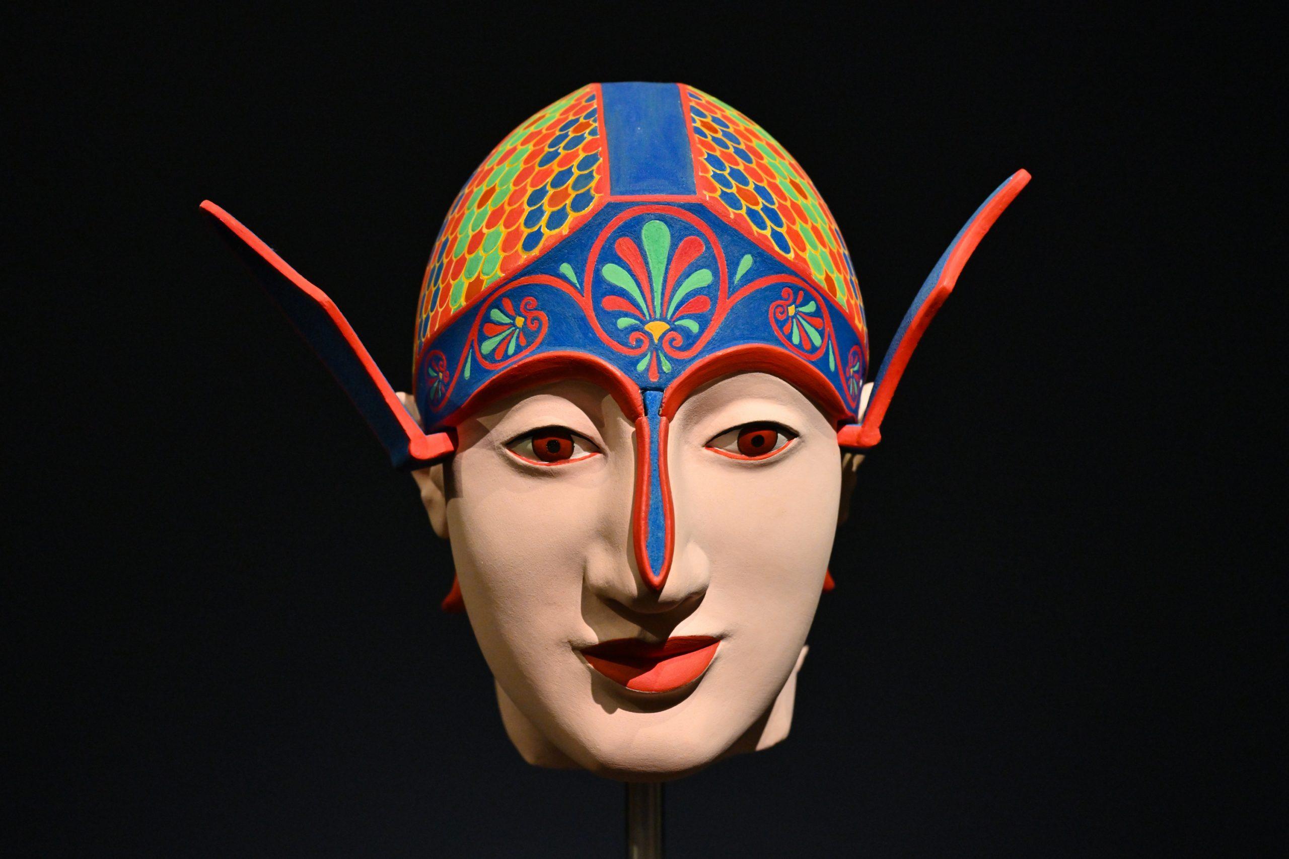 Kriegerkopf aus dem Ostgiebel des Tempels der Aphaia auf der Insel Ägina, Griechenland.