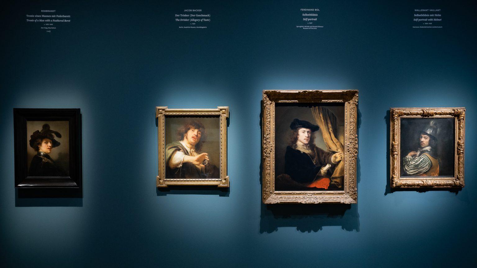 Selbstdarstellung als Markenzeichen im Vergleich: Werke von Rembrandt, Backer, Bol und Vallaint.